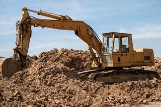 excavators-800996_640.jpg